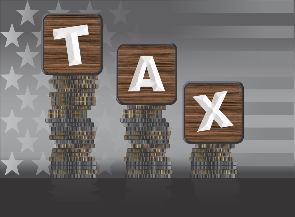 Taxes, Tech Industry, Equal Pay, Big Tech, Silicon Valley, Big Tech Companies, equal pay, salary, Apple Employees, Uber employees, LinkedIn employees, Google employees, Amazon employees, Facebook employees, Microsoft employees, total compensation, salary, taxes, bonuses, tax evasion, stock options